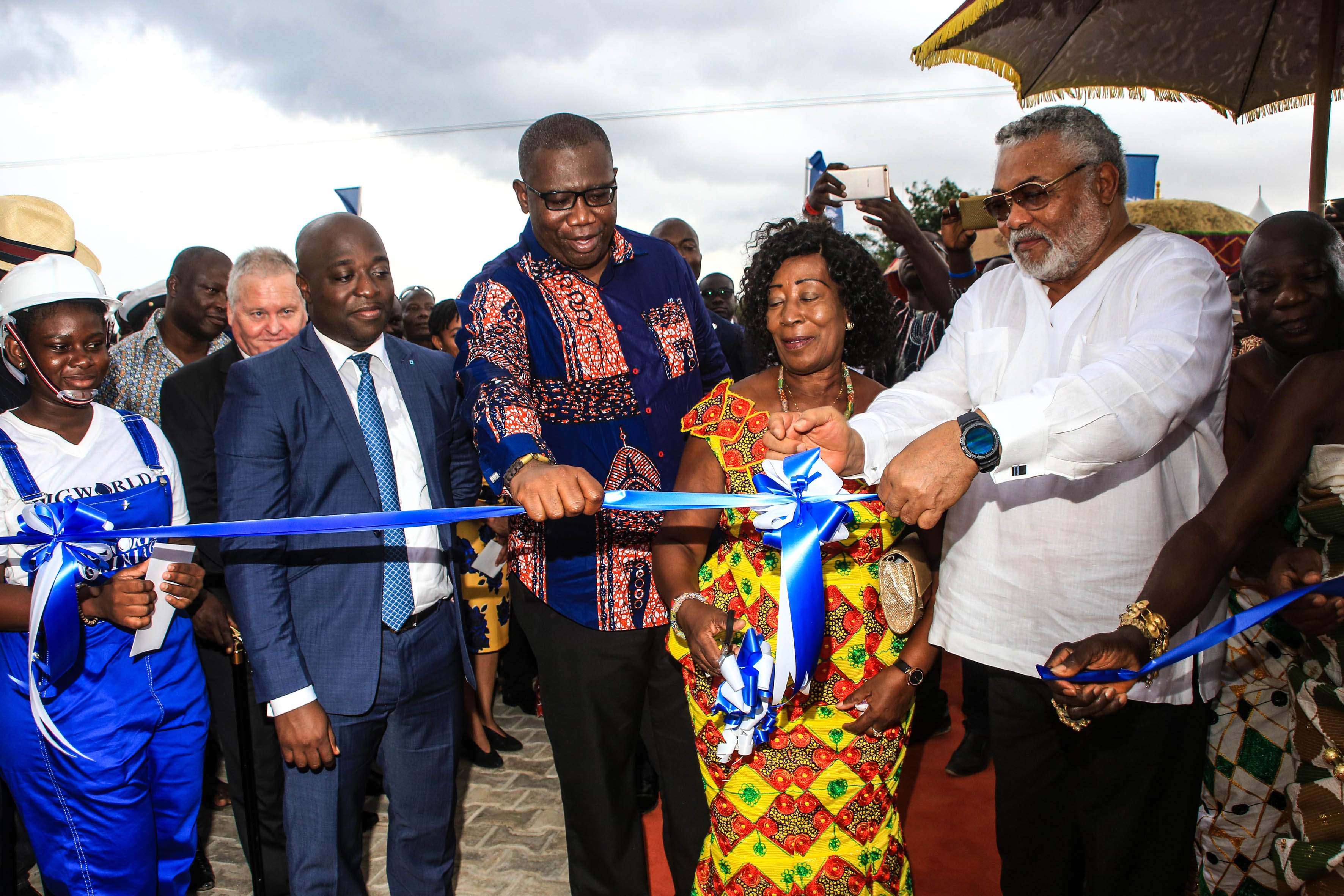 The ribbon is cut at the opening of the new oil and gas training centre in Takoradi. (Image Source: Rigworld)