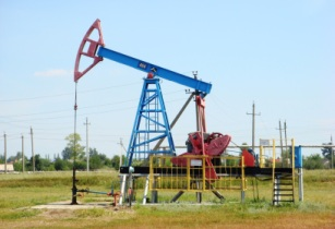 Pumpjack in Ishimbay